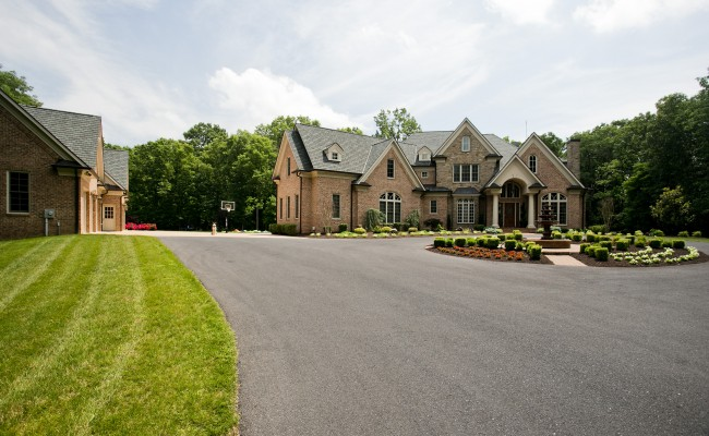 Residential Grounds Maintenance Contracts in Winchester, VA